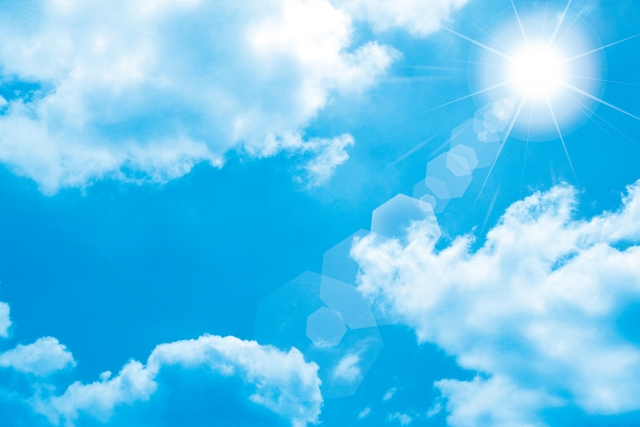 青空と雲と日差し